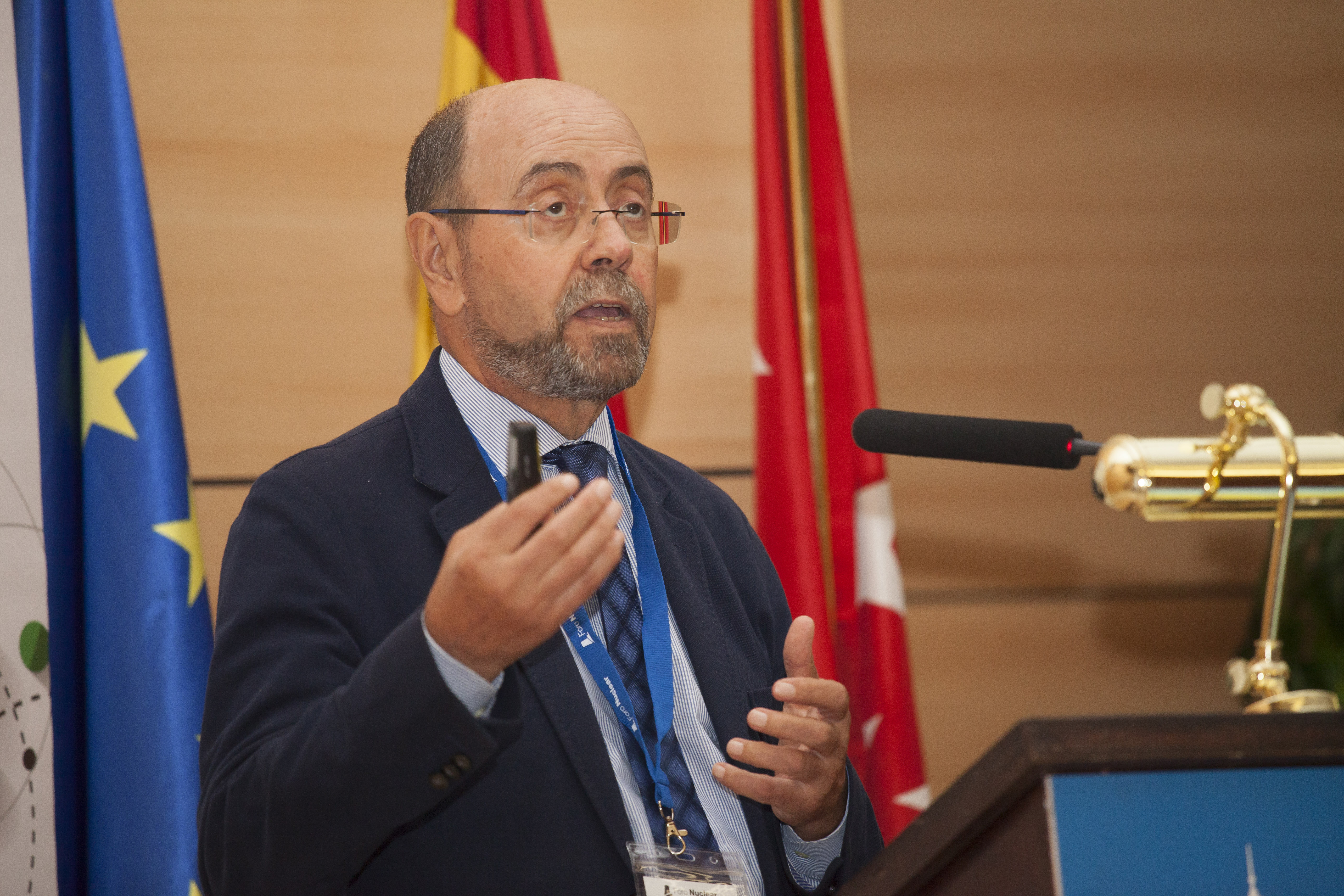 Emilio Mínguez, Catedrático de Tecnología Nuclear de la ETSII de la UPM