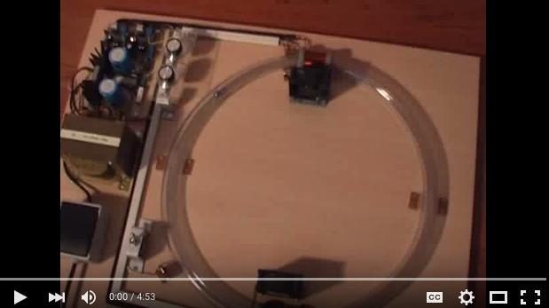 Maqueta educativo de un acelerador de partículas
