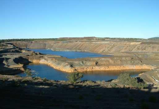 Aspectos de la clausura de las fábricas de concentrados de uranio y de las explotaciones de minerales radiactivos