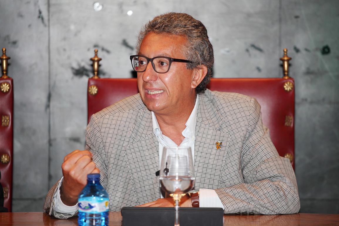 Antonio Calvo Roy