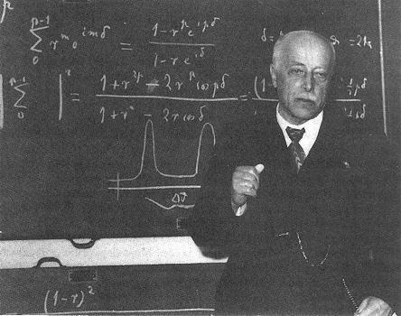 Estudios de Max von Laue